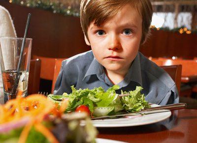 Bệnh tự kỷ ở trẻ – thực phẩm cần tránh